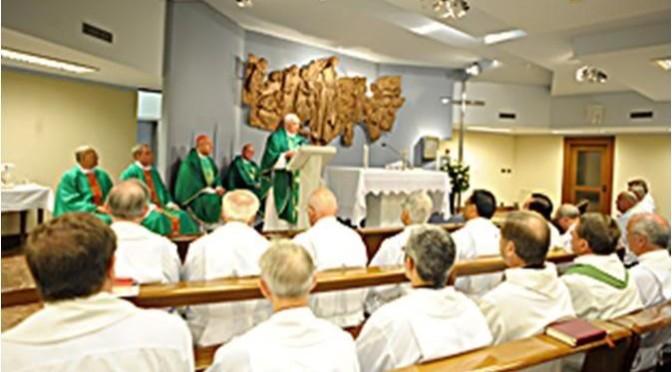 Benedicto XVI concelebró misa con sus antiguos alumnos