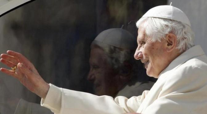 """BENEDICTO XVI: """"LA IGLESIA NECESITA PASTORES QUE RESISTAN A LA DICTADURA DEL ESPÍRITU DEL TIEMPO"""""""